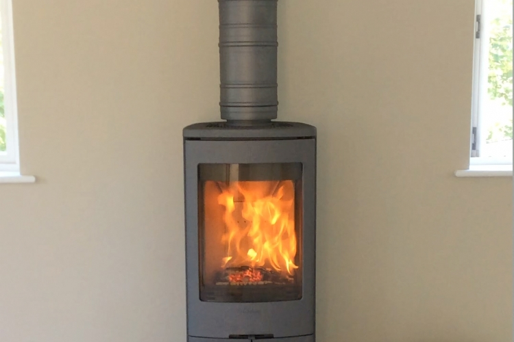 Contura 750 installed in Cornwall