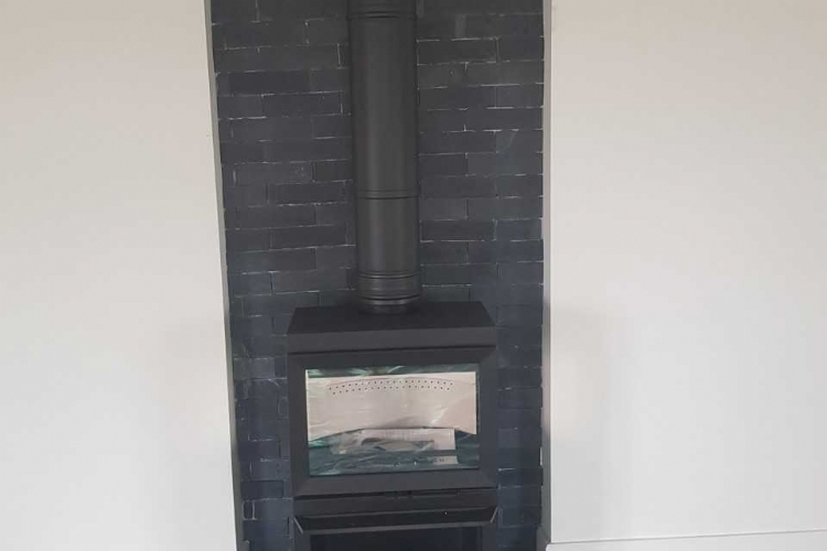 Contura 330 with slate detail