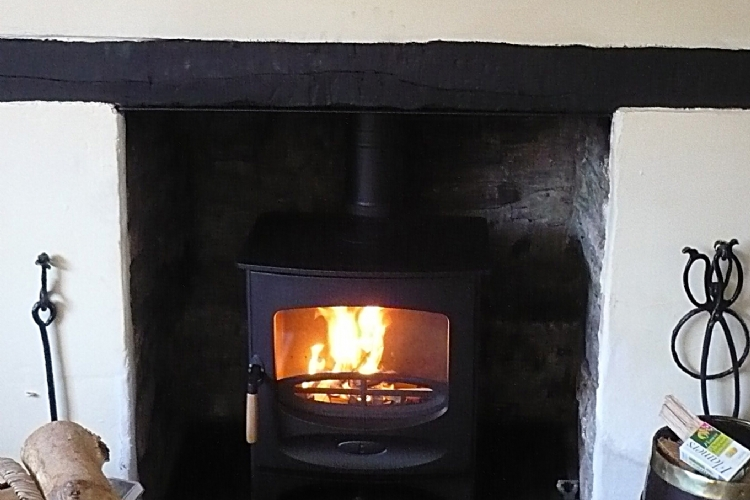 Charnwood C5 in Black installation