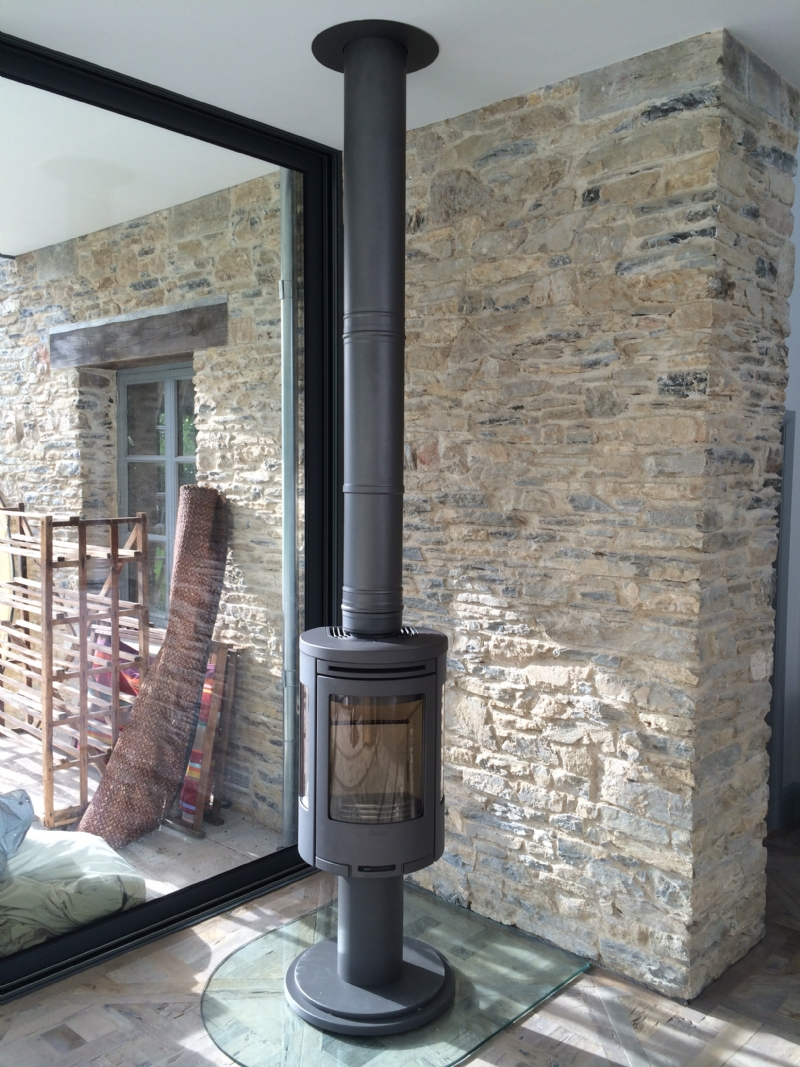 Contura 556 On A Rotating Pedestal Wood Burning Stove