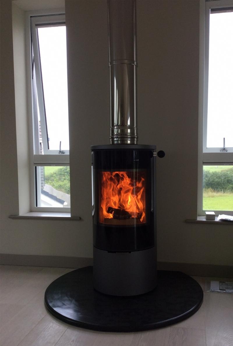 Rais freestanding stove installation