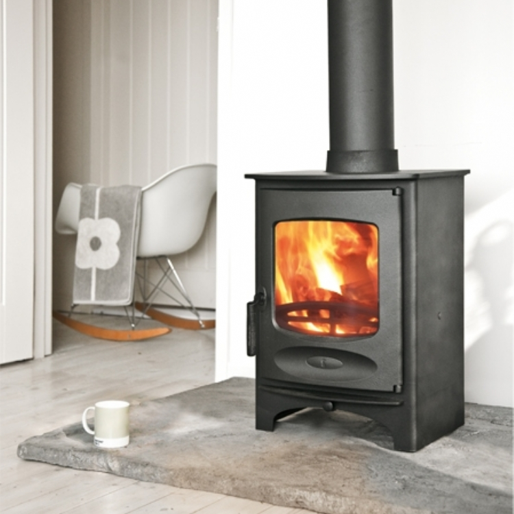 charnwood c4 with log store and honed slate hearth wood burning stove installation from kernow. Black Bedroom Furniture Sets. Home Design Ideas
