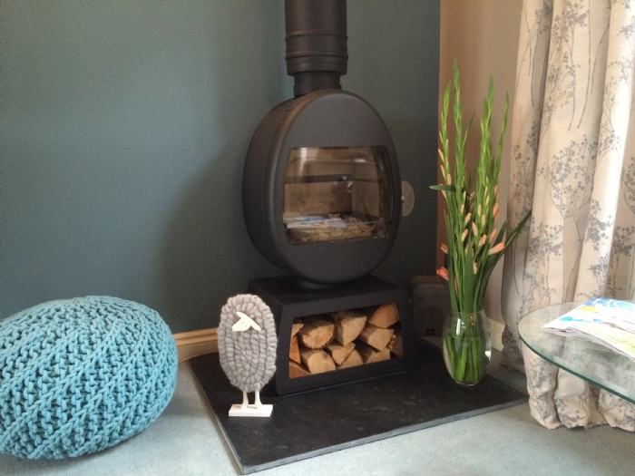 Jotul 66 in a cornish home