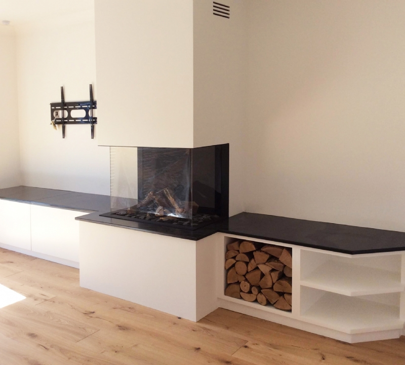 Dru Gas Fire and Feature Wall