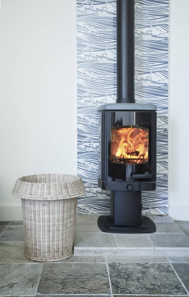 Vlaze patterned heat shield