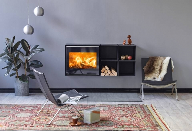 This woodburner already meets 2022 emissions regulations.